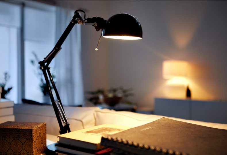 Panduan-Jitu-Menjadi-Distributor-Lampu-Handal